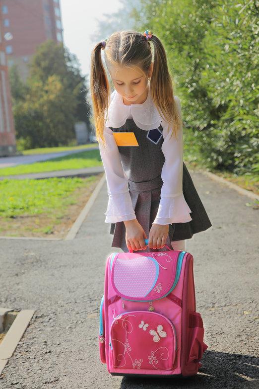 Tipy, jak správně vybrat i nosit školní aktovku